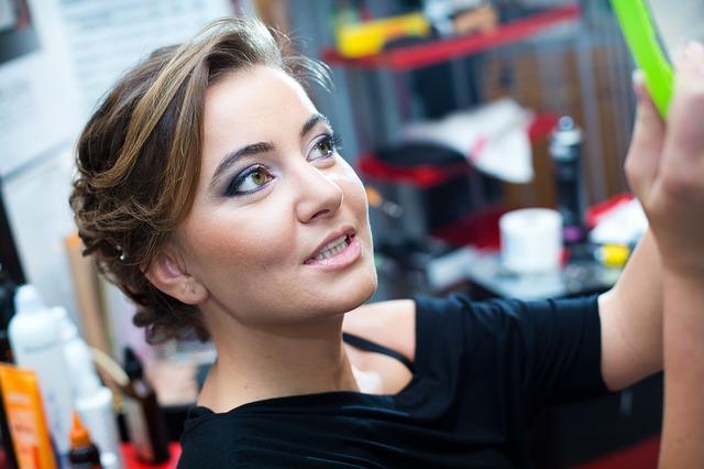 elije-el-maquillaje-perfecto-y-correcto-para-un-dia-de-trabajo