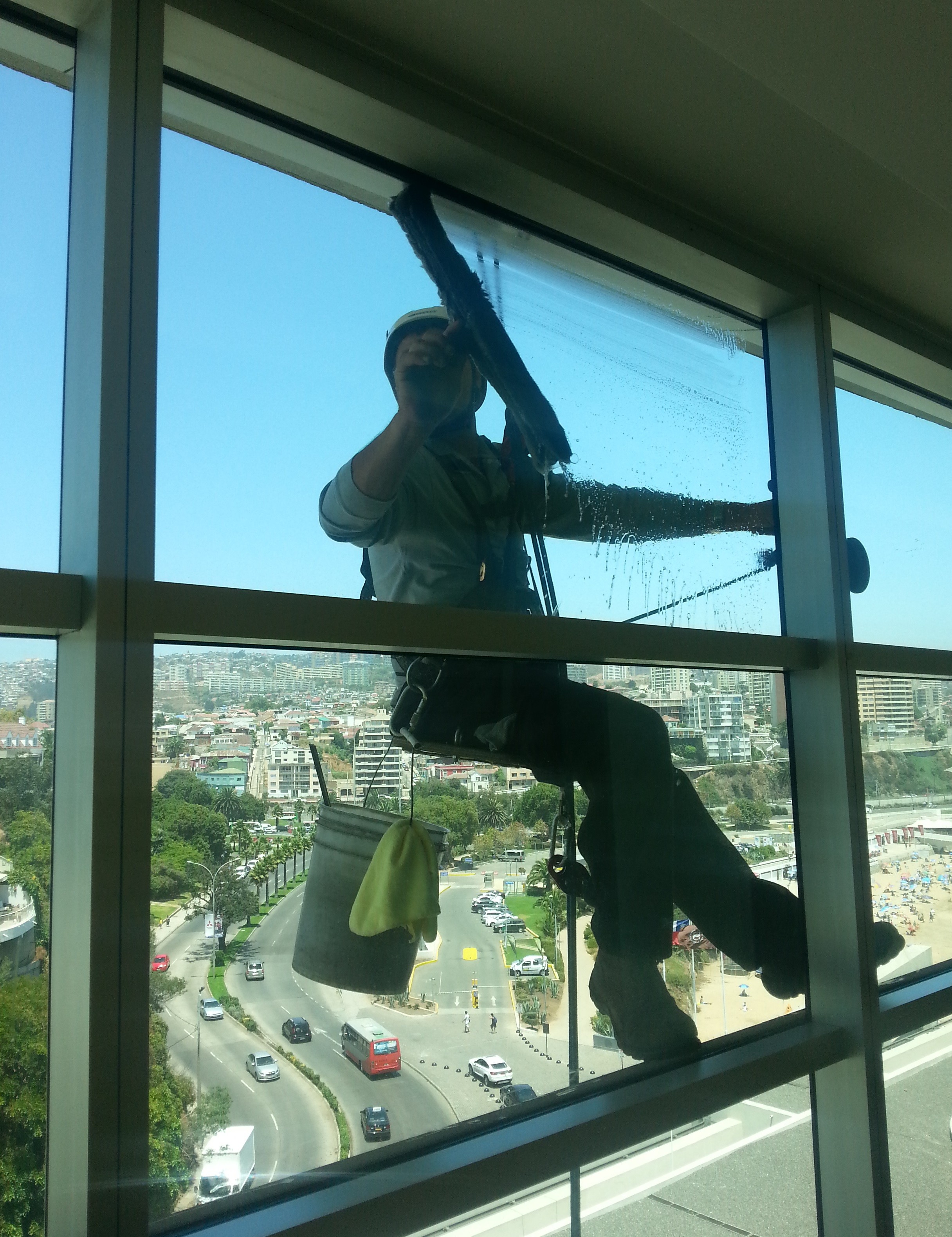 te-imaginas-trabajar-a-100-metros-de-altura