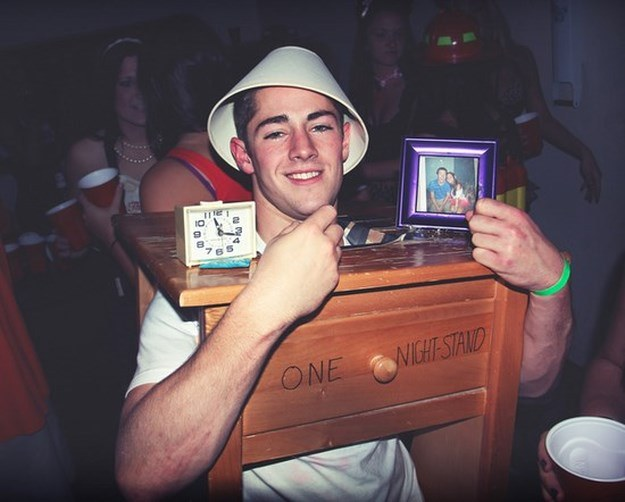 Clever-Halloween-Costumes-006