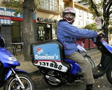 A-Dominos-Pizza-delivery--008