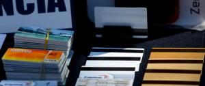 03 de Marzo de 2016/SANTIAGO Los tres dueños de la empresa AC Inversions Patricios Santos Hernández, Rodolfo Dubo y Camilo Cruz Hernández en la sala del centro de justicia Centro de Justicia, donde se lleva a cabo la formalización de los tres dueños de la empresa AC Inversiones, acusados de estafar alrededor de 5000 personas en un monto aproximado de 50.000 millones de pesos. FOTO: PABLO VERA LISPERGUER/AGENCIAUNO