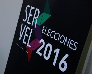 28 de JULIO  del 2016/SANTIAGO  Esta mañana se realizo el sorteo para determinar el orden de precedencia de las listas en la respectiva cédula electoral de las Elecciones Municipales del 23 de octubre 2016, esto se realizo en las oficinas del Servel. FOTO:FRANCISCO LONGA/AGENCIAUNO